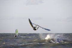 Windsurfer desalto Imagens de Stock Royalty Free