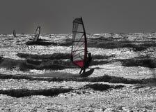 Windsurfer en silueta imagen de archivo libre de regalías