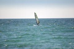 Windsurfer op het overzees Stock Foto