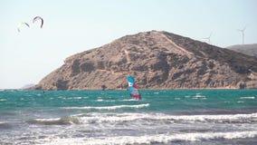 Windsurfer szybownictwo w morzu zbiory