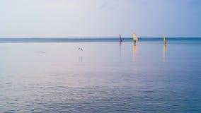 Windsurfers à Varna, Bulgarie Photo stock