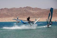 Windsurfers in Dahab. Extrem. Lizenzfreies Stockbild