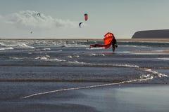 Windsurfers na praia Sotavento, Fuerteventura, Ilhas Canárias Fotografia de Stock