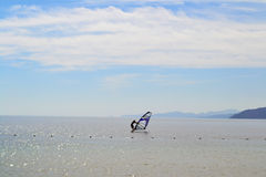 Windsurfing - Αίγυπτος - Dahab - ουρανός - θάλασσα - ημέρα Στοκ Εικόνες
