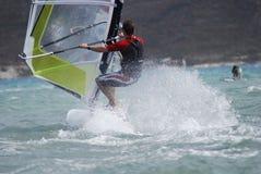 Windsurfing на движении Стоковая Фотография