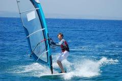 Windsurfing на движении Стоковые Изображения RF