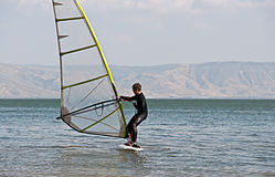 Junger Surfer. Lizenzfreies Stockbild