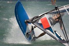 Windsurfing dans Alacati Images libres de droits