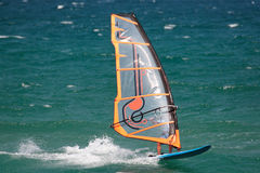 Windsurfing em Spain fotografia de stock