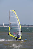 Windsurfing no Solent fotografia de stock royalty free