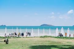 Windsurfingslijn bij strand in Sattahip, Chonburi Stock Foto's