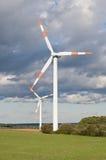 Windturbin across Fotografering för Bildbyråer