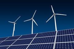 Windturbine en Zonnepaneel Stock Foto's