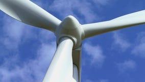 Windturbine het produceren stock footage