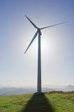 Windturbine met schaduw Stock Afbeelding