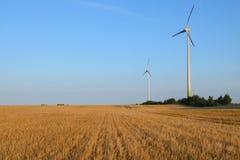 Windturbinen, die Leistung festlegen Lizenzfreie Stockfotos