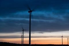 Windturbines на заходе солнца Стоковое Изображение RF
