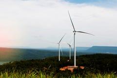 Windturbines op berg Royalty-vrije Stock Afbeelding