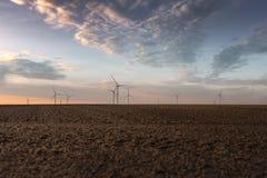 Windturbines op gebied Royalty-vrije Stock Afbeelding