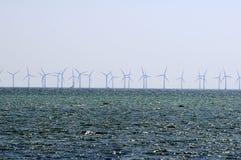 WINDturbines IN ORESUND-OCEAAN Royalty-vrije Stock Fotografie