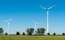 Windwheels в полях в Германии Стоковые Фотографии RF