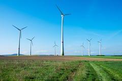 Windwheels в полях Стоковое Изображение