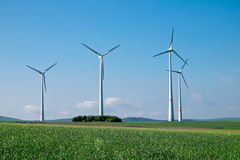 Windwheels под голубым небом Стоковая Фотография RF