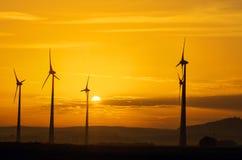 Windwheels en zonsondergang Royalty-vrije Stock Foto