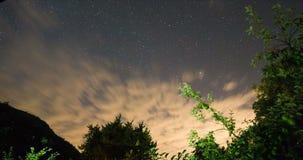 Windy Sunset Clouds Motion Cielo nocturno estrellado Timelapse de la noche hermosa metrajes
