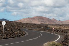 Windy Volcanic Road royaltyfria bilder