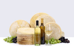 Wine with cheese and grapes Royalty Free Stock Photography