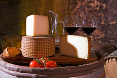 Wine and ewe cheese Royalty Free Stock Photography