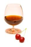 wine för Cherryexponeringsglas två Royaltyfri Foto