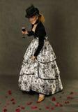 wine för glass petals för flicka rose Arkivfoton