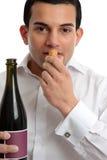 wine för marskalk för sniffa för korkman arkivfoton