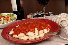 wine för sås för sallad för gnocchimarinarapotatis Royaltyfria Foton