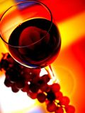 Wine Glass & Grapes Background Royalty Free Stock Photos