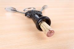 Wine korkar och korkskruvet Arkivfoto