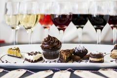 Wine och choklader Arkivbild