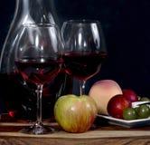 Wine och frukt Arkivbild