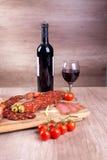 Wine och mat Arkivbilder