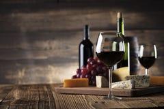 Wine och ost arkivfoton
