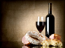 Wine and sausage, bread Royalty Free Stock Photography