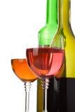Wine in vetro e bottiglia isolati su bianco Fotografia Stock