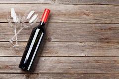 Wineflaska och exponeringsglas Arkivbilder