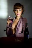 wineglass κοριτσιών Στοκ εικόνες με δικαίωμα ελεύθερης χρήσης