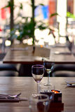 Wineglass on table. In restaurang Royalty Free Stock Photos