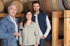 Winemaker que dá uma excursão Imagem de Stock Royalty Free