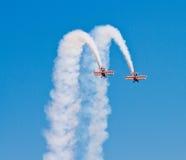 Wingwalkers auf Doppeldecker Stockfotografie
