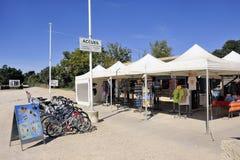 Winkel en fietshuren voor toeristen Royalty-vrije Stock Foto's